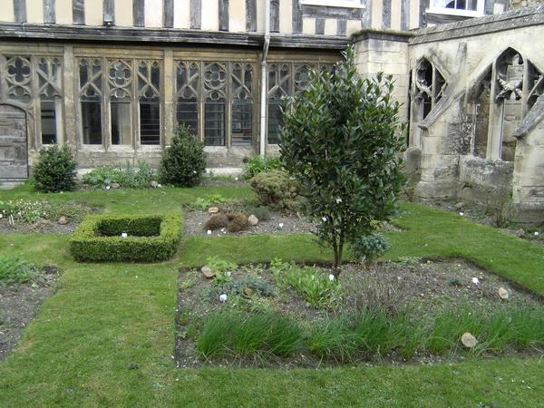 Im Cathedral Close: der Klostergarten