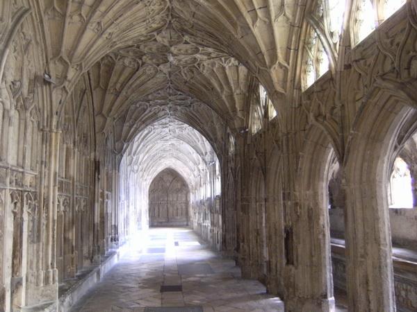 Kathedrale von Gloucester: Im Kreuzgang