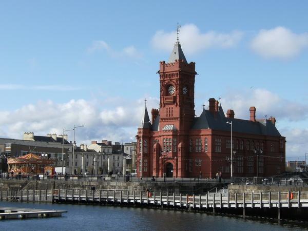 Eines der letzten alten Hafengebäude