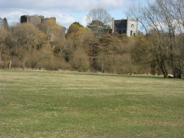 Blick von den Castle Meadows zur Burg
