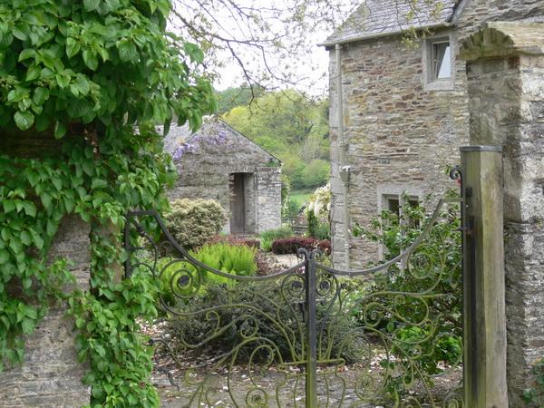 Im Garten des Cider House