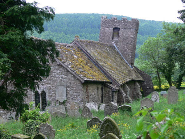 Die krumme Kirche von Cwmyoy