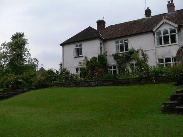 Penpergwm Lodge