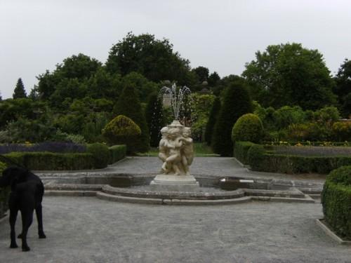 Im formalen Garten