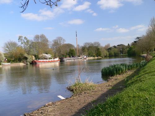 Themse zwischen Windsor und Staines