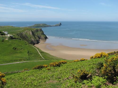 Blick über den Strand in Richtung Worms Head