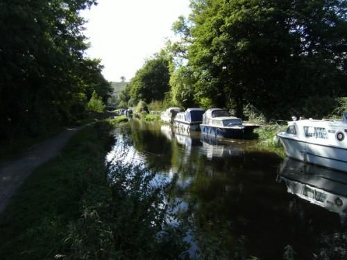 Liegeplätze am Kanal