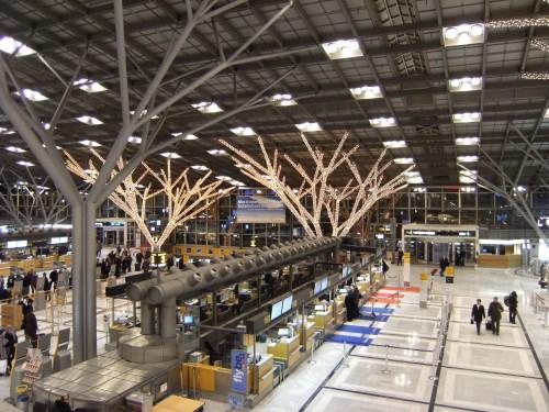 Weihnachtsdekoration am Stuttgarter Flughafen