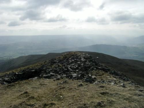 Blick vom Pen Gloch-y-pibwr in Richtung Llangynidr
