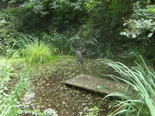 Teich mit Skulptur