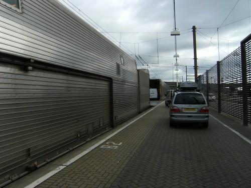 Wir fahren in den Eurotunnel